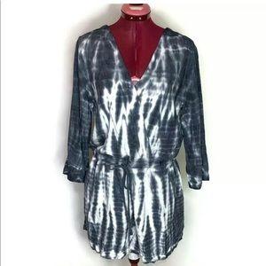 Anthropologie Cloth & Stone Romper L Grey Tie Dye